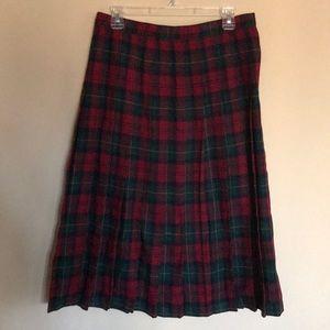 EUC classic plaid pleated skirt size 12